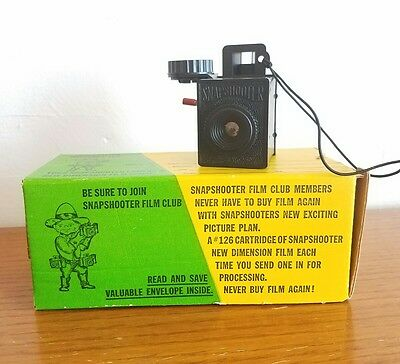 SNAPSHOOTER Vintage Plastic Club 126 Camera with Original Box, Packaging, Film
