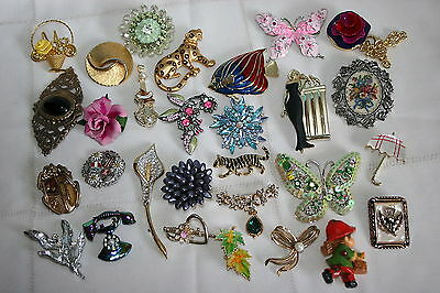 29 pc lot of Retro/Mod figural brooches-A.J.C.,Coro,Enameled Fish,Flowers,12ctGF