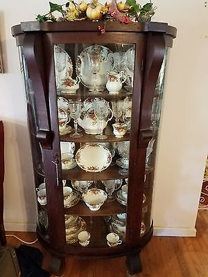 Attrayant Antique Curved Glass Front China Cabinet With Full China Set.