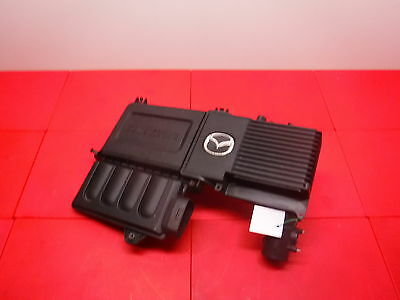 2005 Mazda 3 ,  Air Filter Box / Engine Cover. Z6311001408572.
