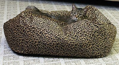 K&H Manufacturing Cuddle Cube Kitty Cat Bed Small 18-Inch Round Leopard New