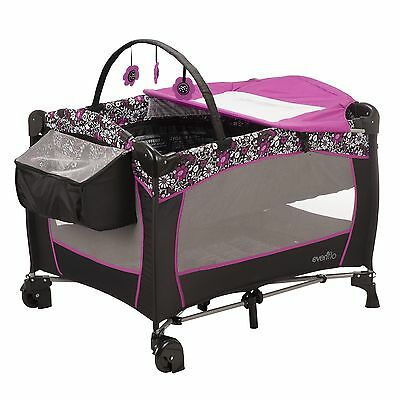 Evenflo Portable Baby Suite Deluxe Daphne Pink, Black, White New
