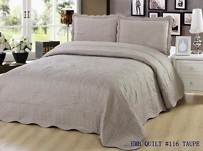 Quilt Queen Size 3 pc Bedding Bed set / Bedspread / embroidered / 2 pillo... New