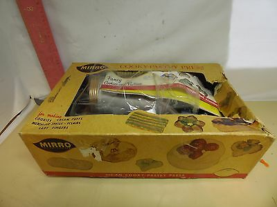 Mirro Cooky-Pastry Press , Number 358-Am - New In Box From The 1960's