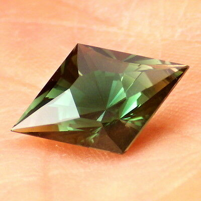 GREEN DICHROIC OREGON SUNSTONE 2.60Ct FLAWLESS-VERY RARE COLOR-INVESTMENT GRADE!