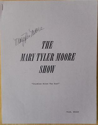 Mary Tyler Moore  Signed  Chuckles Bites the Dust  Script  Mary Tyler Moore Show