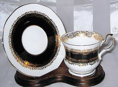 Queen's Marquis - Black & Gold Cup & Saucer Set