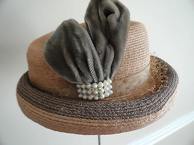 Vintage 1950s Taupe Woven Ladies Summer Hat with Pearls & Velvet Design
