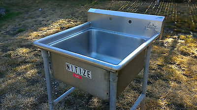 """Advance Tabco 24"""" x 24"""" x 14"""" Free Standing 1-Compartment Scullery Sink"""