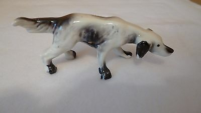 Vintage Hunting / Pointer DOG FIGURINE - white w black - sniffing & pointing-EUC