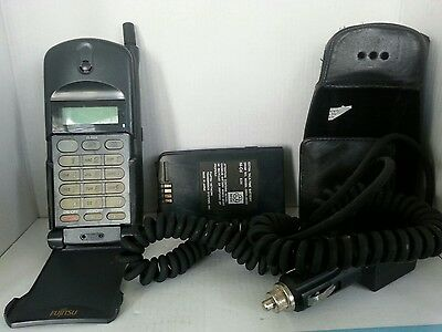 Vintage Fujitsu Flip Cell Phone  Includes Case/Car Charger/ Extra Battery