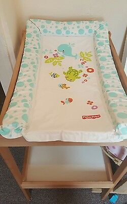 baby changing table with changing mat