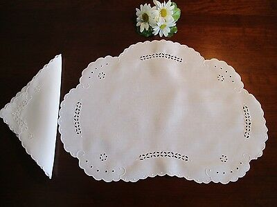 8 Madiera Linen Placemats & Napkins w/Embroidery & Eyelet, Vintage ~ Outstanding