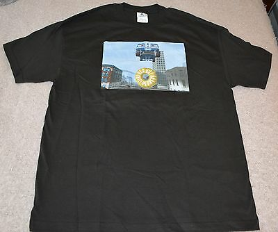 Red Hot Chili Peppers Concert T-Shirt Size XL, NEW