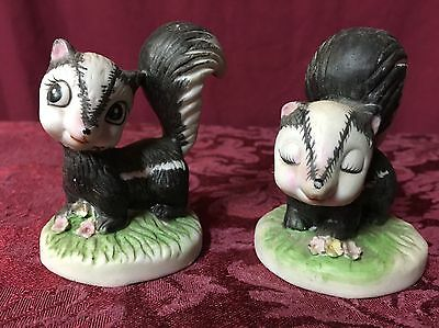 "1960's Vintage Set Of Two 3"" Ceramic Glass Skunks Figurines NEXT DAY SHIPPING!"