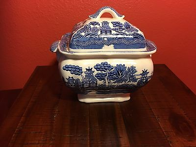 soup tureen And Plate