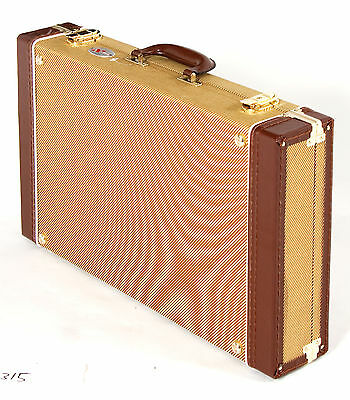 XTREME - Tweed Vintage style pedal road case with removable lid.