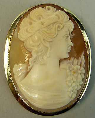 A Fine Vintage 9K Gold Carved Shell Cameo Brooch Birmingham 1959 - 15.3 Grams