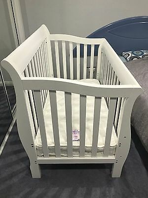 Bootiq Madison 3 in 1 Cot Bed