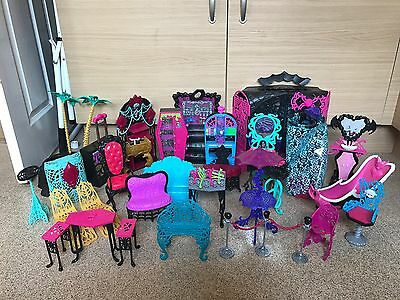 Monster High Doll Furniture And More Bundle / Job Lot