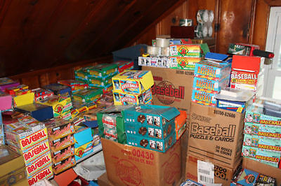 Vintage Lot 100 Unopened Football Hockey Basketball Cards Assorted Sports!....