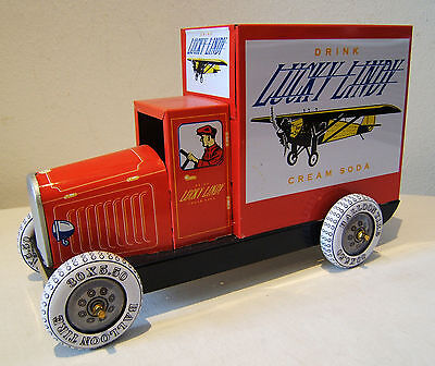 Tintoy, Blechspielzeug Delivery Truck Lucky Lindy Collector Series Schylling OVP