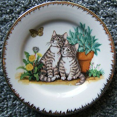 Kittens Kitty Cats with Butterfly Flowers Ceramic Plate Gold Trim GEI 1995