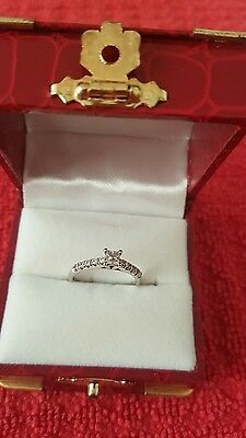 9 ct white gold diamond engagement ring size j
