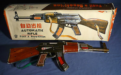 Red China Blech ME 614 Gewehr AK 47 Automatic Rifle 60's vintage tin toy B171