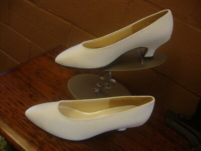 #7 New Vintage  Dress Shoes for Wedding Bridal Size 7 1/2 Classic Pumps