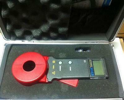 New Digital Clamp On Ground Earth Resistance Tester Meter ETCR2100A+