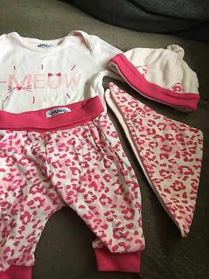 Baby Girl Vest, Trousers, Hat And Bib Set 0-3months Excellent Condition