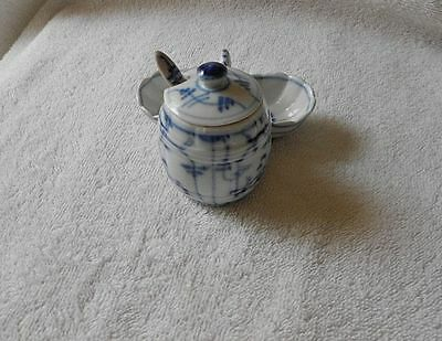Antique Chinese Blue & White Condiment Sugar Mustard Snuff  Jar Pot Marked