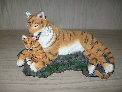 Bengal Tiger Mother With Cub Figurine Statue Westland Giftware Resin