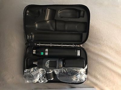 97200-MS Welch Allyn 3.5V Diagnostic Set, Ophthalmoscope/Otoscope, Li-Ion Handle