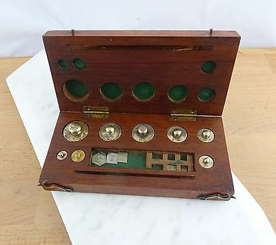 Set of Vintage Thomson Skinner &  Hamilton Apothecary Brass Scale Weights in Box