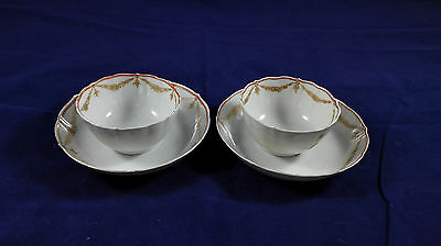 A Pair of Antique Chinese Export Porcelain Tea Cup and Saucer Sets