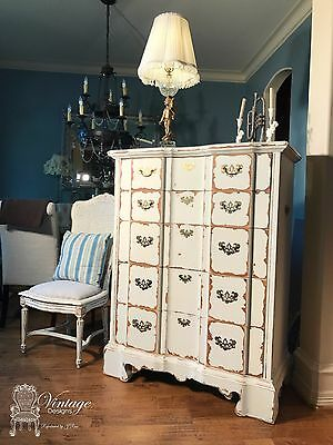 Vintage Classical Chest of Drawers