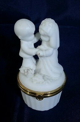 Enesco Precious Moments Bisque Bride and Groom Trinket Box Ring 2000