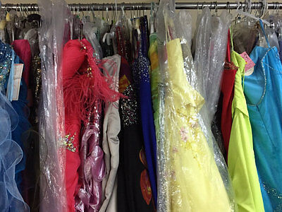 LOT of 6 PROM PAGEANT HOMECOMING CRUISE FORMAL DRESSES SIZES 8-10-12 $1200VALUE
