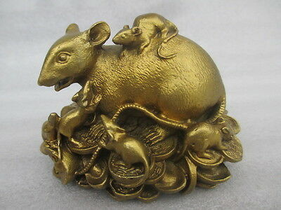 China's rare old manual hammer rat, copper statue of five mice carrying goods