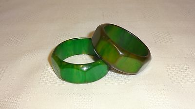 Attractive Vintage Pair Of Art Deco Bakelite Napkin Rings