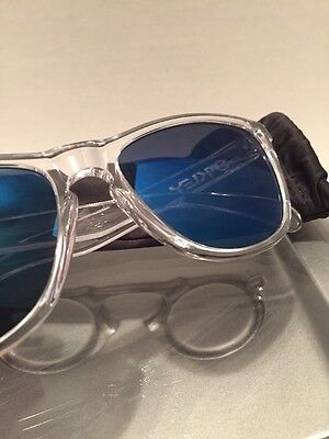 !!!Oakley Frogskins Crystal Clear Frame Ice Blue Lenses Fast Free S/H!!!