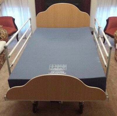ArjoHuntleigh Sorrento king single medical bed