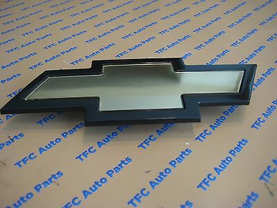 Chevy Express Van Grille Bow Tie Emblem Genuine OEM New  2003-2017