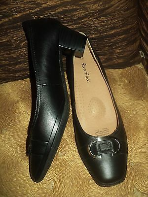 Ladies Black Leather Everflex Work Heels - As New Condition - Size 7.5 1/2