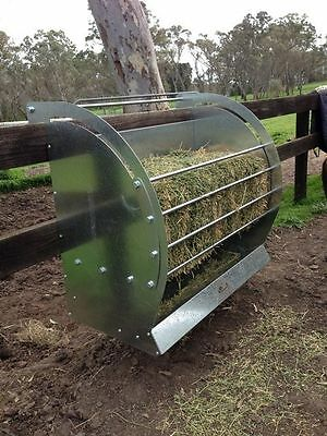 THE LITTLE FARM COMPANY Single Bale Hanging Feeder - sheep, goats, alpacas