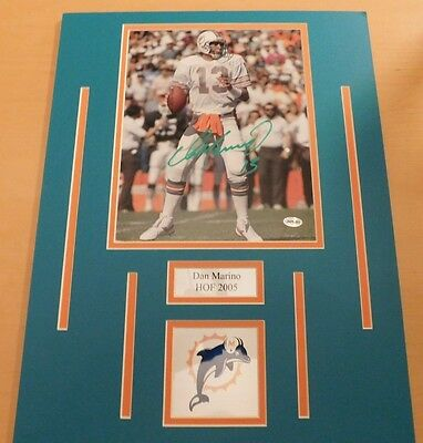 Dan Marino NFL Miami Dolphins Autographed Matted 8X10 Photograph - COA