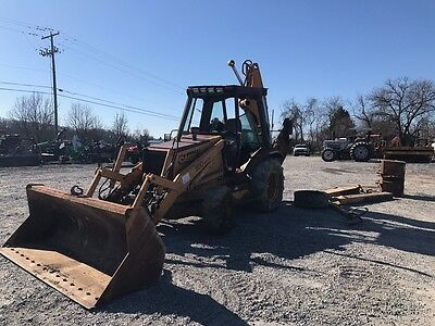 Case 590 4x4 Tractor Loader Backhoe W/ Cab.