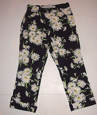 Masters Golf Fashion Women's 8 White Daisies Flowers Capri Cropped Pants